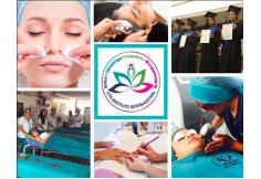 Carrera de Cosmetologia pensum medico Estetica